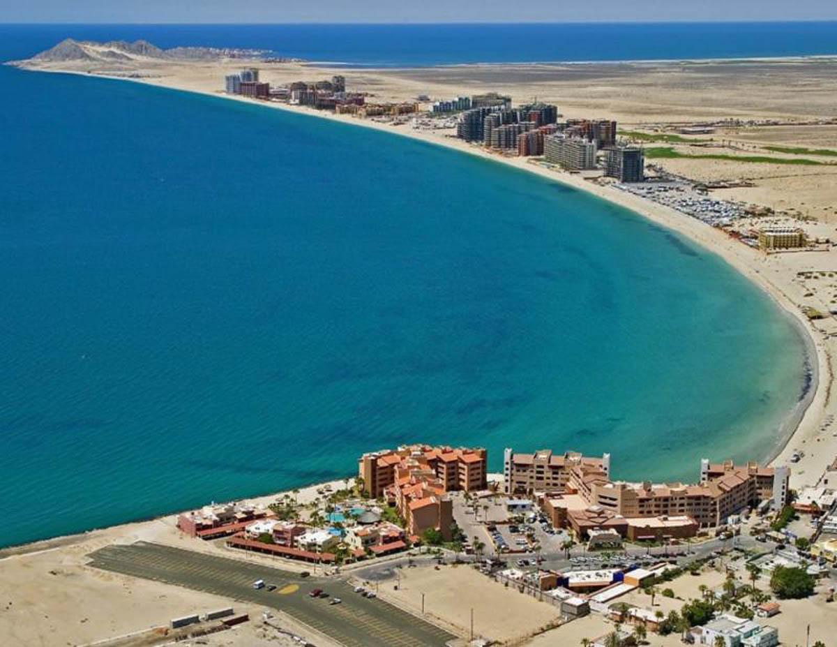 Mayor Presents Beach Buoy Project for Tourist Corridor
